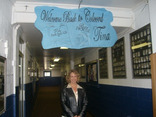 copyright 2009 tina-ann-forkner-visiting-her-old-high-school-in-oklahoma1